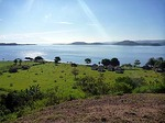 ギリアサハンの丘からパールビーチリゾートを望む