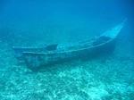 イボイの海中に沈めた故障船