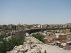 トルコ横断旅:ディヤルバクルで子供のバクシーシ攻撃。うんざり。