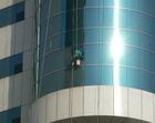 大連のビルの掃除職人2