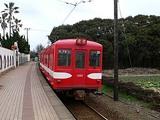 銚子電鉄が走り去るところ 犬吠駅