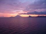 海から見た開聞岳