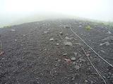 富士山 宝永火口付近の火山岩でできた急斜面