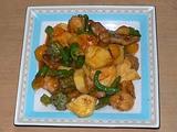 沖縄産パイナップルで贅沢に酢豚。熟れ熟れ。