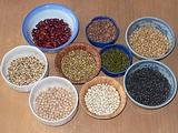 ネパールで買ったクワティ用ミックス豆を分類したところ