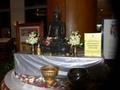 ホテルに設置されたお参り用の仏像