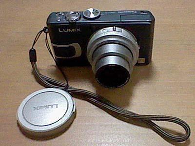 デジカメ買い換え。Panasonic DMC-TZ70。デザインが昭和っぽい。