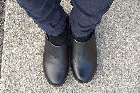 日本旅と通勤にいい感じの靴。ClarksのスリッポンCHANNING FIONAをセールで購入