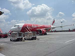 エアアジア クアラルンプール空港ターミナルでのショット