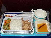ガルーダ マカッサル-アンボン機内食