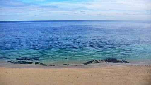 アイ島北部海岸:ここからビーチエントリーでシュノーケリングができる