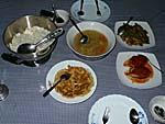 ガマラマゲストハウスの夕食