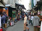 アンボンのマーケットの中の一角