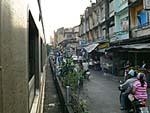 駅横の商店街