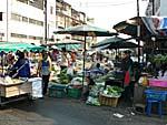 線路周辺の市場