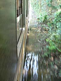 線路に浸水1