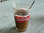 コンデンスミルクコーヒーかき混ぜた後