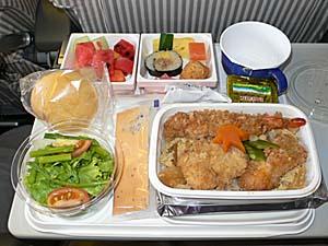 日本航空 バンコク-成田機内食 和食はカツ丼