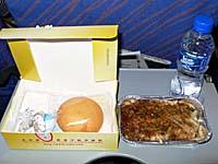中国南方航空 大連-長春線の午前便機内食2