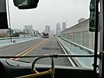 廈門快速公交を行き交うバス