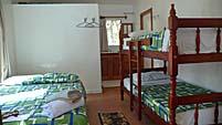 家族向けブレはダブルベッドと子供用二段ベッド