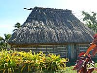 フィジーの村の伝統家屋
