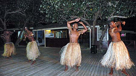 ナビティ島コロボウエコリゾートのフィジーナイトショー