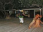 フィジアンショー 男女の踊り