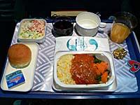 魚メニューの昼食。炒飯とチリフィッシュ