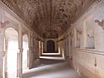 ラクシュミーナーラーヤン寺院のペイント
