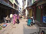 バラナシの旧市街の町並み2