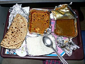 インド国鉄ラジダニエクスプレスの車内食 ベジタリアン