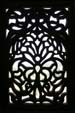 宮殿内の彫刻窓1