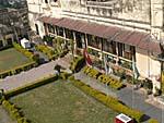 宮殿内のホテル Sheeeh Mahal前庭