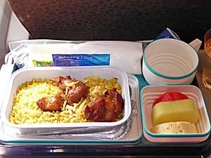 ガルーダインドネシア航空ジャカルタ-アンボン行き機内食