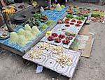 野菜コーナーでカット野菜を売っていたお店
