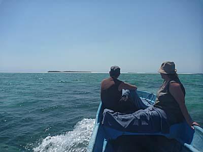 漁船に乗ってボートツアーへ行く