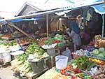 野菜市場もてんこ盛り