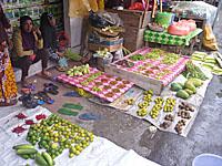 市場の野菜うり