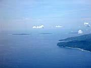 機上からの眺め。ギリ3島