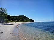 パールビーチリゾートの前の砂浜。