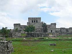エルカスティージョ:降臨する神の神殿