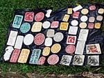 石にアステカカレンダーを彫り込んだもの