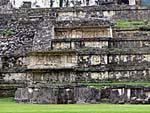 神殿13の外壁