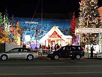 クリスマスイルミネーションも一応ある