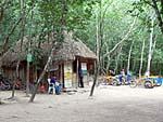 コバ遺跡のレンタサイクル事務所