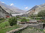 カグベニの村を見下ろす