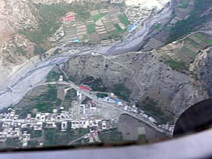 上空から見たトゥクチェ村