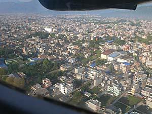 上空から見たポカラの町