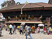 アカシュ・バイラウ寺院
